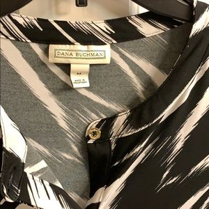 Dana Buchman Tops - Dana Buchman Medium black and white top buttons
